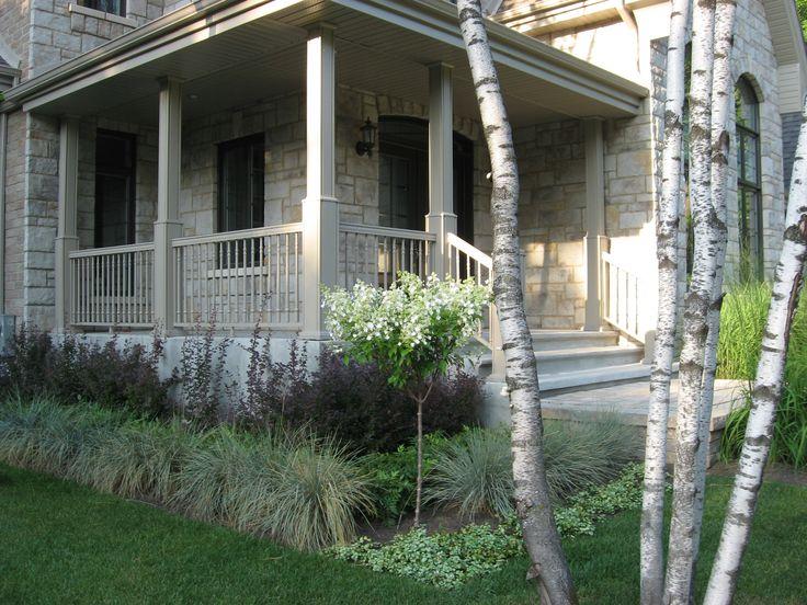 Am nagement d 39 une fa ade de maison espace de plantation arbustes et gramin es arbre escalier - Distance plantation arbre maison ...