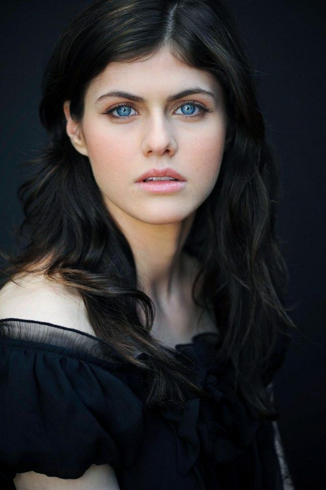 """I thought Alexandra Daddario's EYES were amazing. Then I watched """"True Detective""""... Mother of God..."""