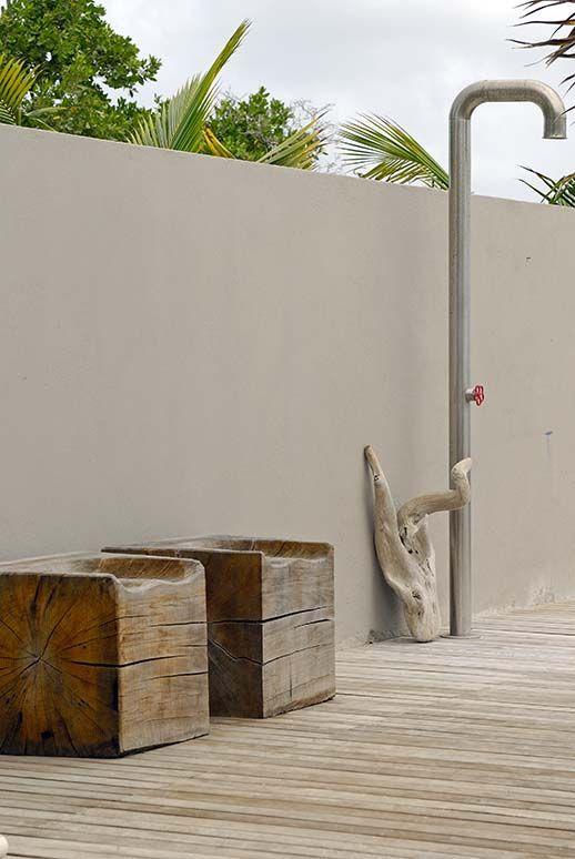 outdoor shower | villa | by piet boon