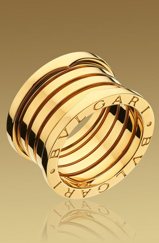BULGARI~ iconic signature gold rings.