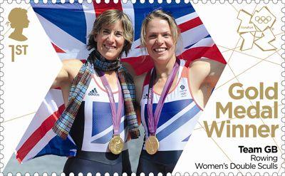 Anna Watkins et Katherine Grainger, médaillés d'or en aviron deux de couple, #JO2012 de Londres © Royal Mail, DR.