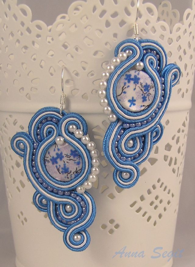 Blue and white soutache earrings with mother of pearl - soutache jewelry