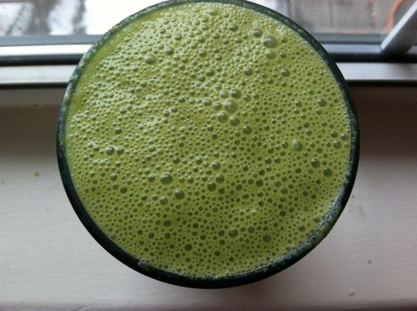 How to Fight Off Bad Breath With This Healthy Morning Shake