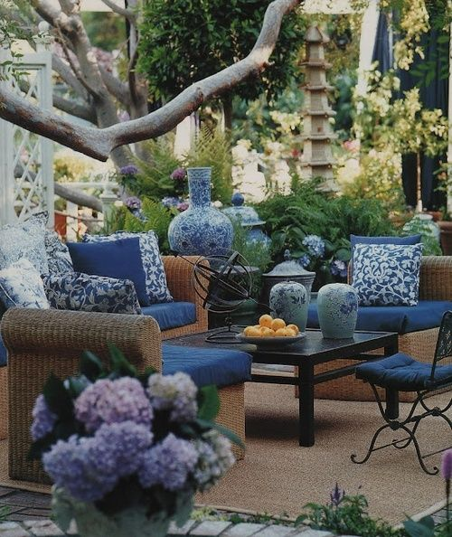 outdoor living: White Gardens, Backyard Patio, Outdoor Rooms, Outdoor Living, Blue Gardens, Outdoor Patio, Blue Patio, Outdoor Spaces, Blue And White