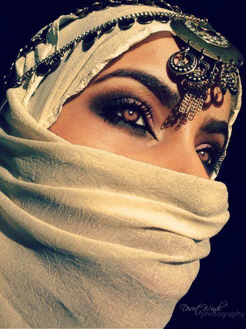 Arabic makeup look