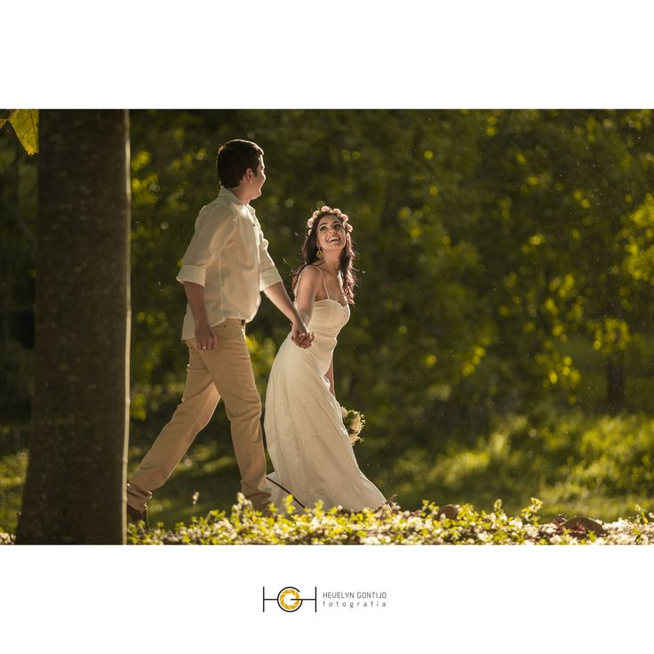 """""""O universo conspira a nosso favor e a consequência do destino é o amor. Pra sempre vou te amar.""""  #wedding #casamento #voucasar #noiva #tonoiva #engagementsession #junebugwedding #fotografodecasamento #fotografiadecasamento #amor #fotodeamor #comamor #porvc #flare #bride #bridal #love #vestidapracasar #vestidodenoiva #diywedding #ideiasparacasamento"""