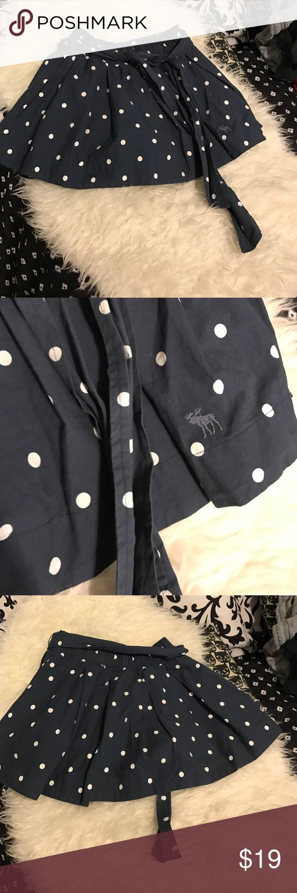 Abercrombie and fitch skirt Abercrombie and fitch skirt Abercrombie & Fitch Skirts