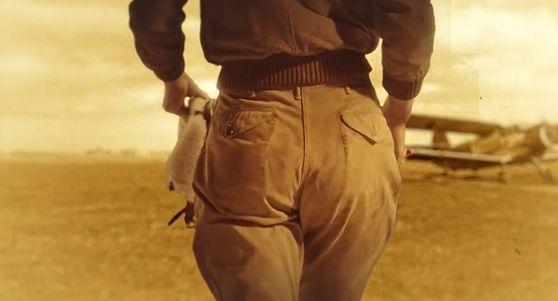 Pour promouvoir sa gamme de sous-vêtements pour femme à venir, Le Slip Français sort un véritable #filmdefesses. L'an 2000 à peine entamé, le slip se trouvait déjà sur l'échafaud. Sa mise à mort, programmée par l'industrie de la mode, a … Lire la suite →