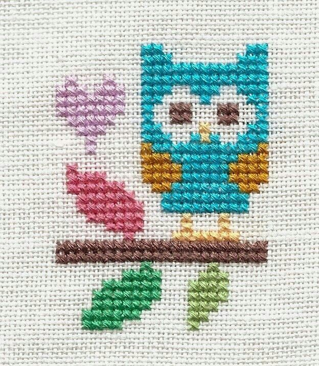 Buho punto cruz Point de croix Cross stitch Ponto croce                                                                                                                                                      Más