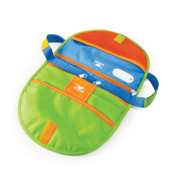 With one twist this cool messenger bag doubles as a comfy saddle for your Trunki.