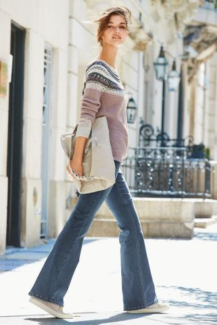 Embellished Patterned Sweater With Wide Leg Jeans