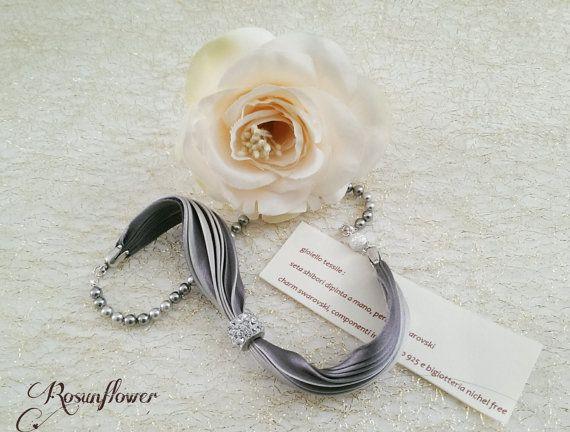 Bracciale di perle swarovski e seta shibori/ di Rosunflower
