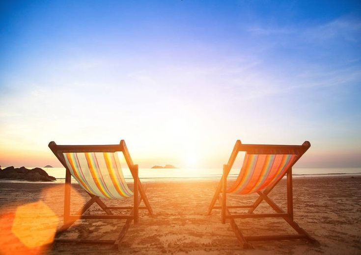 Do you avoid sun rays? Well stop doing it because sunlight deficiency is bad for your health. The Journal of Internal Medicine has let loose some incredible research about our changing health. It has revealed that sunlight deficiency is as bad for us as smoking! The Swedish study conducted its research on around 30000 women […] | via @lifeadvancer - lifeadvancer.com