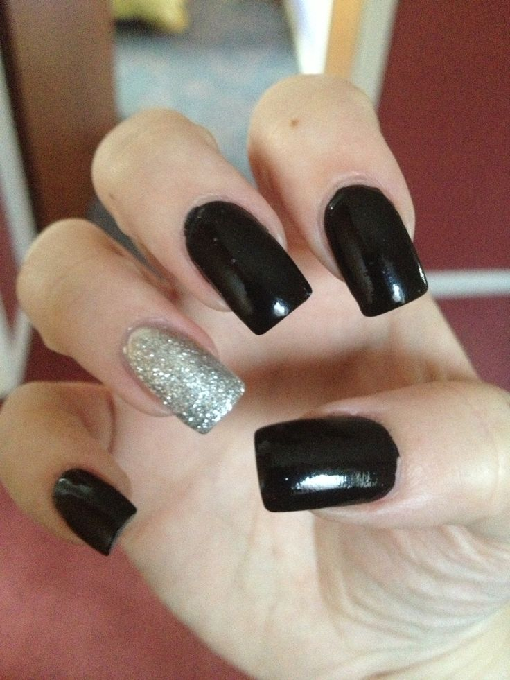 Black and silver nails | Homecoming and Prom Ideas ...