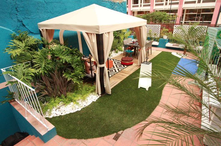 Paulo Piteira   Exteriores   Plantas   Outdoor Pots and Plants   Gazebo with curtains