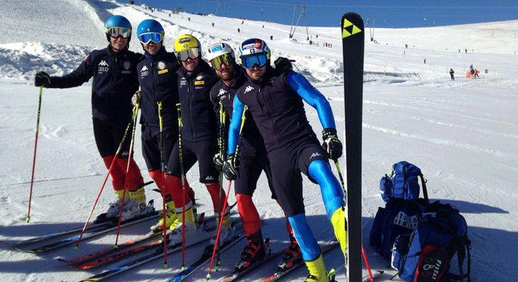 Entrando sempre più nel vivo dell'estate si intensificano i raduni sulla neve delle nazionali di sci alpino.Gli slalom gigantisti sono da due giorni sul ghiacciaio di Zermatt per alcune sessioni di allenamento in pista. Il gran caldo che sta interessando l'Italia non risparmia però nemmeno il ghiacciaio ai piedi del Cervino. Nonostante le condizioni non siano proprio le migliori, gli allenamenti procedono secondo pianificazione.Sul ghiacciaio di Zermatt ci sono Luca De Aliprandini, Floria...
