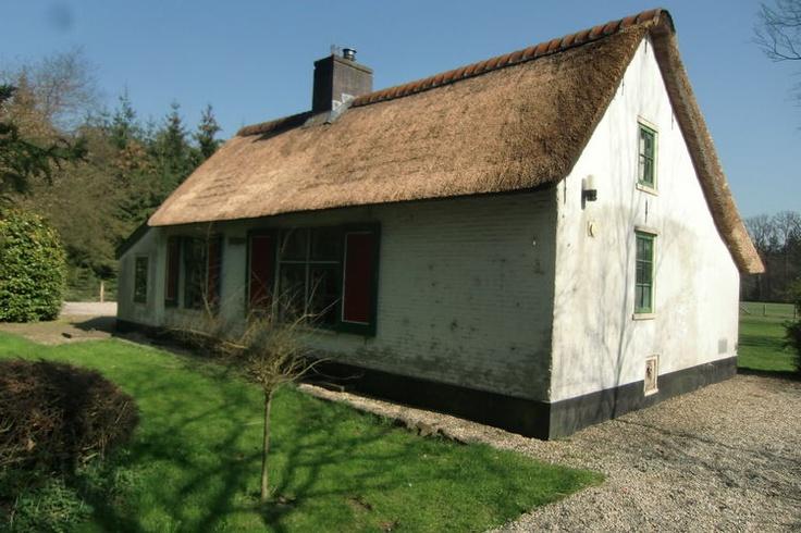 Voor een aanbod van vakantiehuizen in de provincie Utrecht zit je helemaal goed bij Recreatiewoning.nl.  Kijk eens voor de huurprijzen op onze website:  http://www.recreatiewoning.nl/woning-zoeken/huur/nederland/utrecht/-/-/-/1