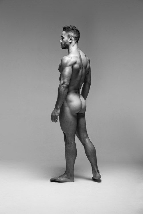 Round male nude models over age damon