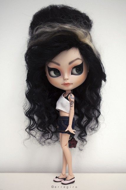 Amy winehouse Blythe doll - I love this!!
