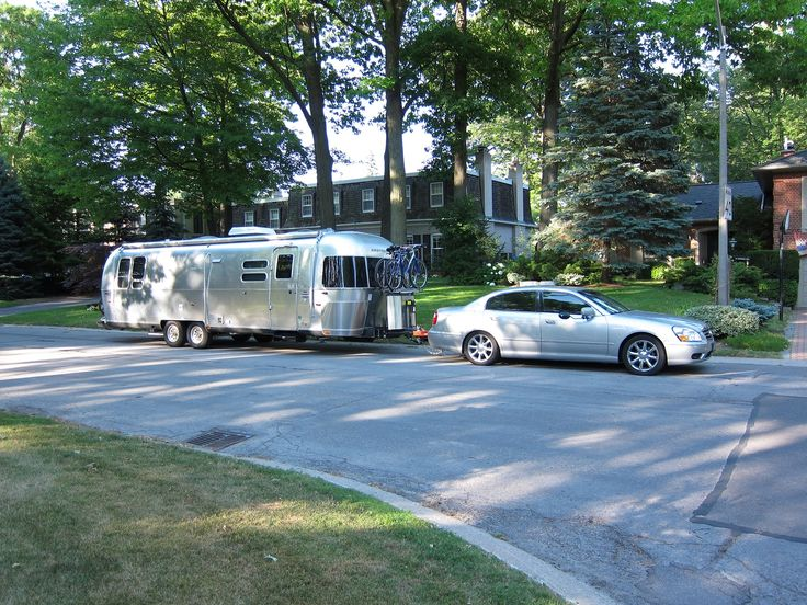 Airstream 2013 Serenity 30' Who needs a giant tow truck