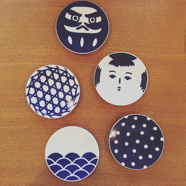 My sister in law sent me these lovely #small #japanesestyle #dishes to celebrate my new life in Tokyo  #pots #plates #ceramics #pottery #table #tableware #homegoods #diningtable #kamawanu #daruma #kokeshi #dot #check #lattice #wave #pattern #design #art #gift #japaneseblue #japanese #wa #indigo #blue #cute #thankyou