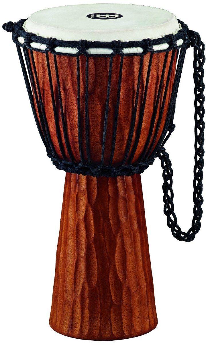 DJEMBE:es un instrumento de percusión perteneciente a la familia de instrumentos membranófonos. Se originó en el antiguo Imperio Mandinga, aproximadamente entre las localidades de Bamako (Malí) y Kankan (Guinea), desde aquí migró posteriormente a Senegal, Costa de Marfil y Burkina Faso, formando parte integral de la música y las tradiciones de la zona.