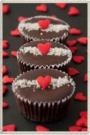 Deathcake Royale - the best 2 weeks of the year.... | TRUFAX!!! These are my fave!Desserts, Valentine'S Day, Little One, Cute Cupcakes, Life, Pretty Yummy, Cupcakes Royal, Eating, Deathcak Royal