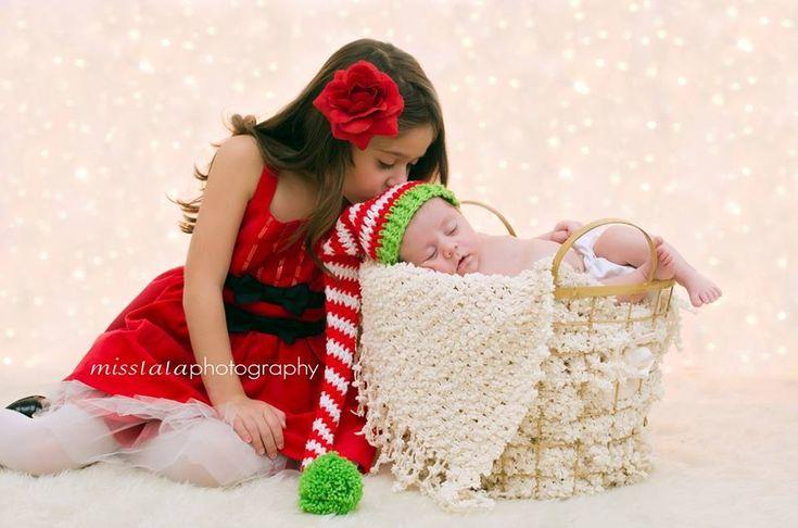 Newborn christmas photography siblings