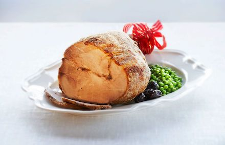 Joulukinkun paistaminen ja parhaat kinkun kastikkeet - Ruoka & reseptit