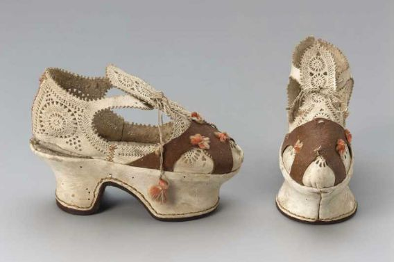 Pair of children's shoes, or sample shoes, Italian, 1610–20.