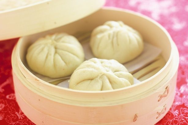 Steamed pork buns, tried these with left over pork roast, they turned out awesome just like sunday yum cha!!