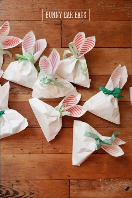 The 19 Best Easter Crafts of 2014!Ideas, Bunnies Ears, Ears Bags, Treats Bags, Bags Diy, Easter Crafts, Easter Bunnies, Favors Bags, Easter Treats