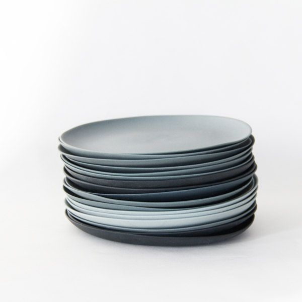 Plates porcelain gray by Golden Biscotti