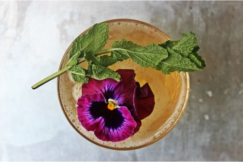 This may be the prettiest Mint Julep we've ever seen, hands down. For this week's Cocktail of the Week our friend Natalie (BeautifulBooze.com) brings you another fabulous drink to enjoy during these waning summer evenings. More at blog.getdistilld.com