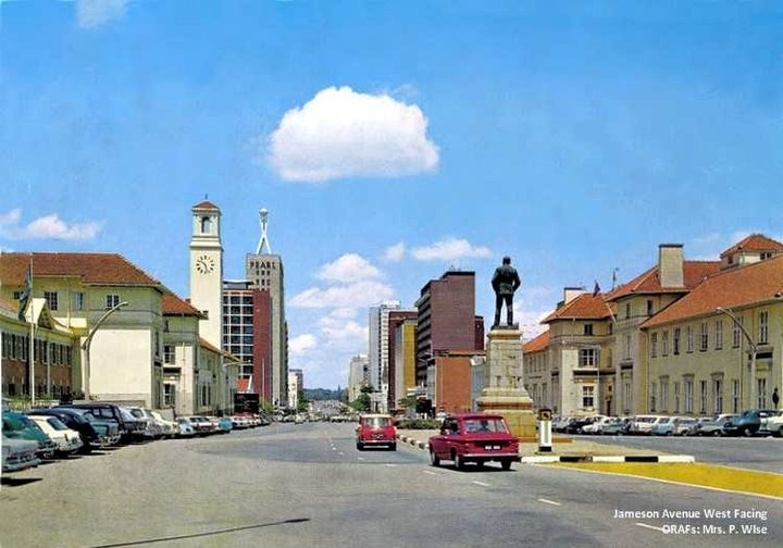 Jameson Ave statue of cecil john rhodes now gone