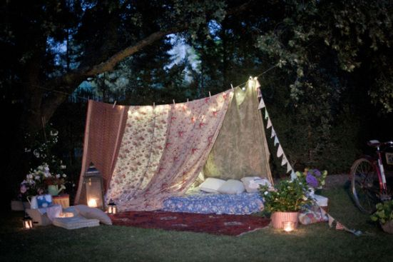 Flamboyant and Free Spirited Bohemian Styling | Tents Forts and Bohemian : blanket tent outside - memphite.com