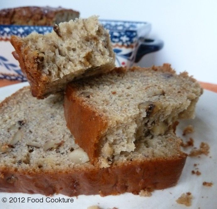 Healthy Banana Bread (Low fat/low sugar recipe made with agave and applesauce)
