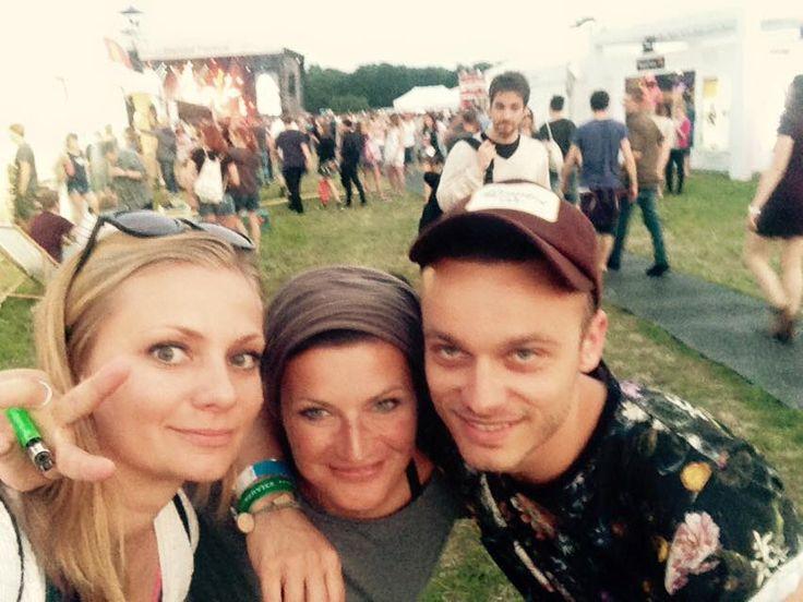 Fajne chłopaki na @orangewarsawfestiwal Z Madox — w cudownym nastroju z użytkownikami Ola Cahlo, Ania Knittel Cahlo i Damian Madox Nowacki w: Orange Warsaw Festiwal 2015.  www.cahlo.pl