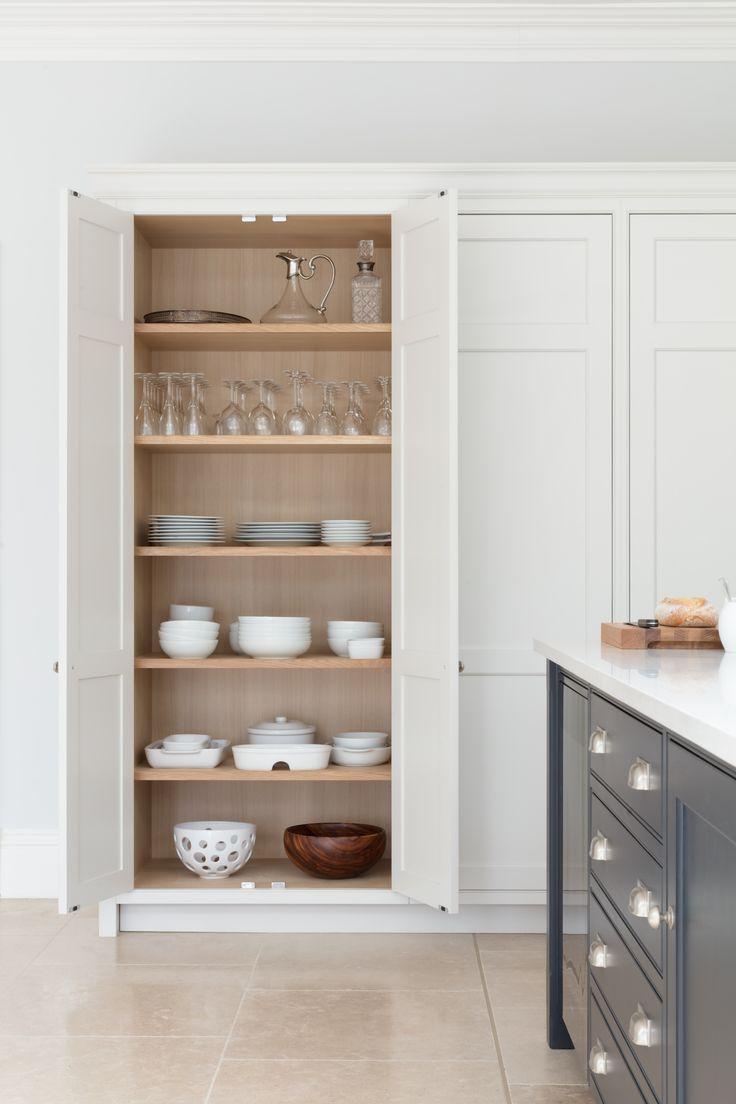 Open Plan Luxury Kitchen, London - Humphrey Munson Kitchens