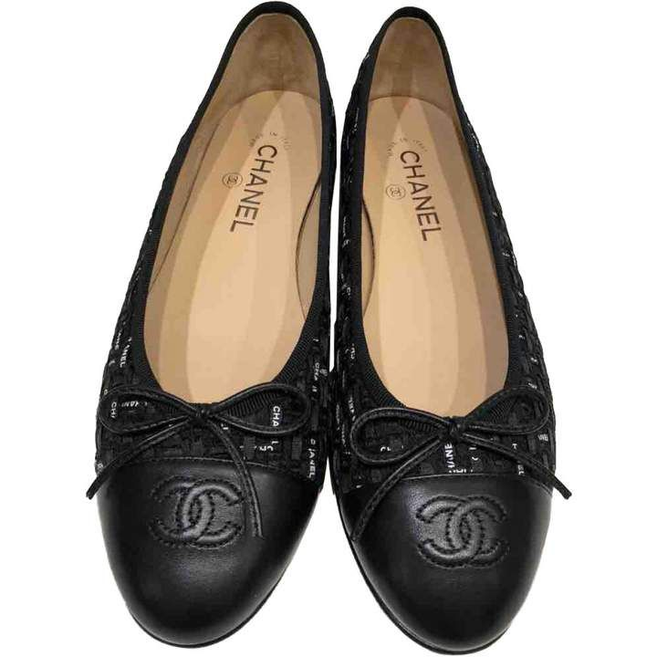 Chanel Cloth Ballet Flats In 2020 Chanel Ballet Flats Shoes