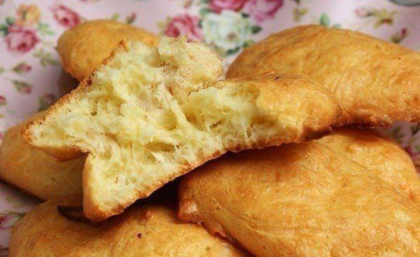 Быстрые сырные печенья из трех ингредиентов  Прекрасное дополнение к первым блюдам!