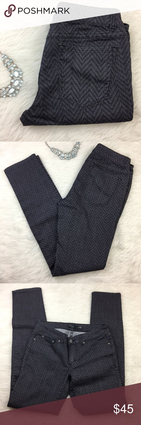 Prana dark navy blue chevron skinny pants Size 4. Amazing condition. Flattering skinny pants. Prana dark navy blue chevron skinny pants. Prana Pants Skinny