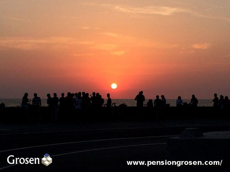 Sunset Sagues. Gros. San Sebastián - Donostia. A 5 minutos de nuestra Pensión. http://www.pensiongrosen.com/