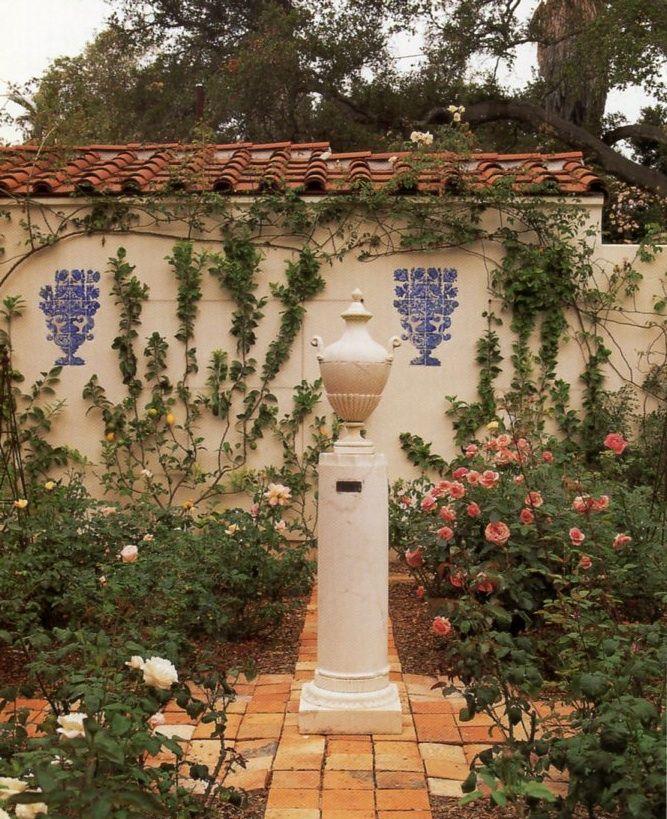 طراحی محوطه باغ ویلا و ساختمان های متفاوت: Mediterranean Garden Design On Pinterest