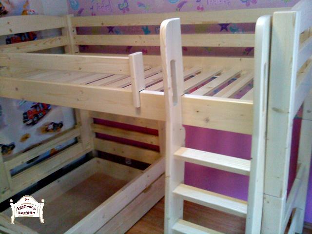 Pontjó emeletes ágy elforgatott kivitelben