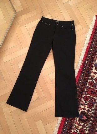 Kupuj mé předměty na #vinted http://www.vinted.cz/damske-obleceni/spolecenske-kalhoty/13790331-elegantni-spolecenske-cerne-kalhoty-versace