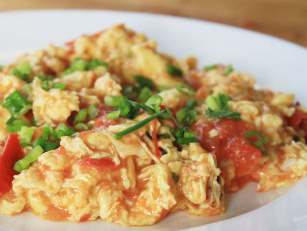 CHINESE STIR-FRIED EGGS AND TOMATOES (ketchup)