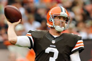 The Dallas Cowboys signed quarterback Brandon Weeden today to a two-year contract worth the minimum amount. Weeden will most likely be the third quarterback behind Tony Romo and Kyle Orton.