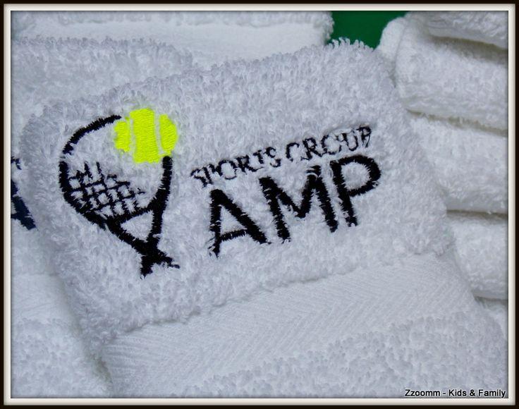 Toalla de mano, con logo de la Escuela de Tenis AMP Sorts - Buenos Aires