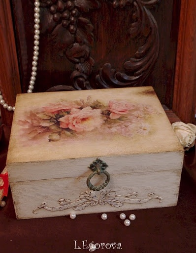 Decoupage - Vintage-looking Box